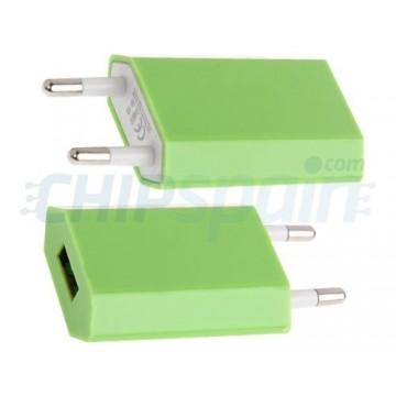 Adaptador de Corriente de Enchufe a USB Verde